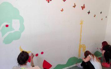 Studenti dobrovoljno oslikavali zidove škole
