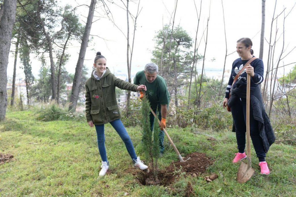 Glavni grad i prijatelji sadili na brdu Ljubović
