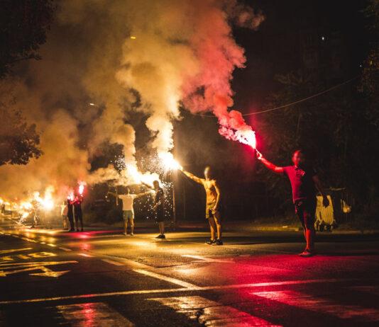 Zabjelčani bakljadom na ulici proslavili 29 godina Republike Zabjelo
