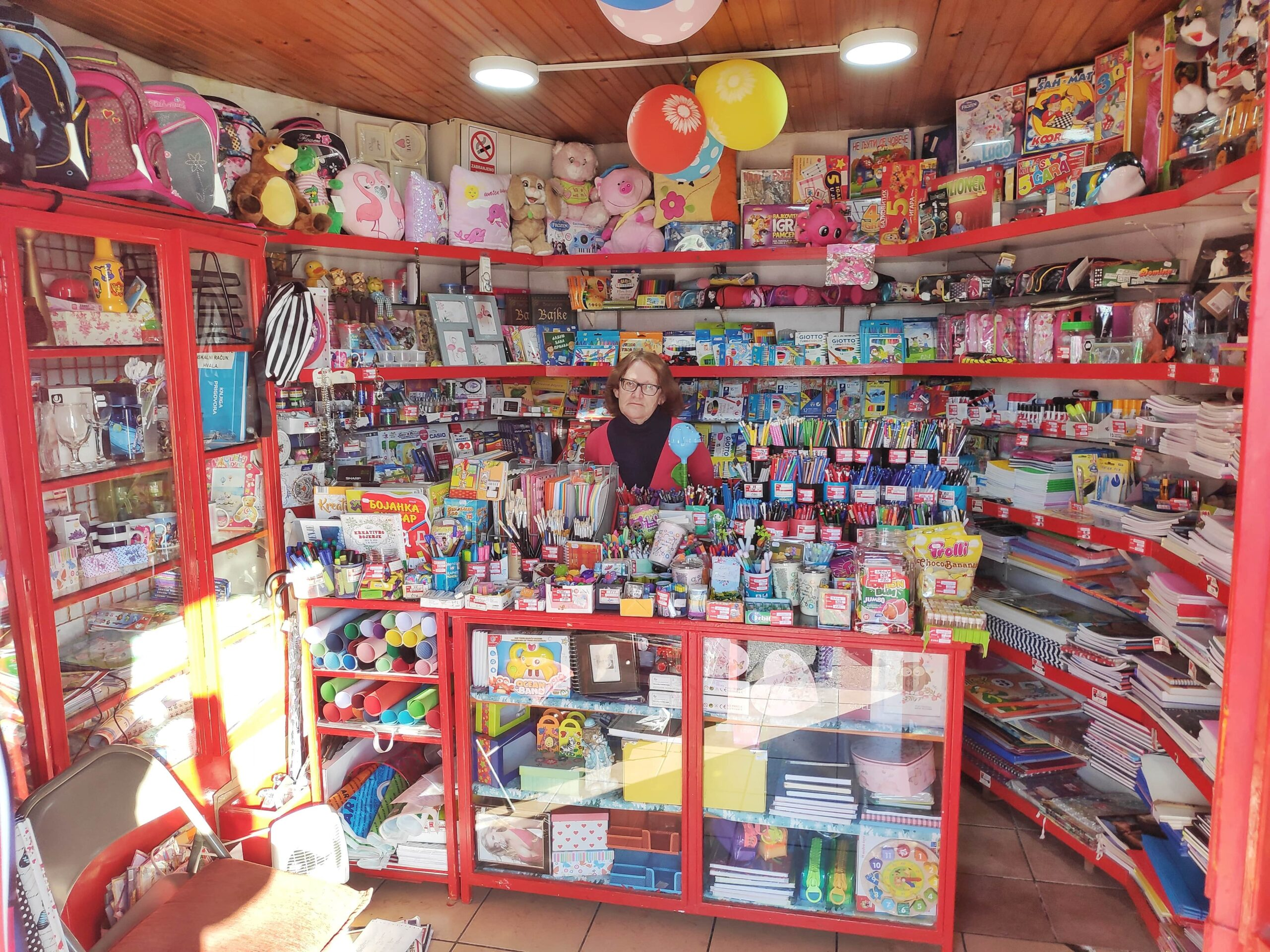 Mali prostor za veliko srce: Najstarija knjižara na Zabjelu se bori za opstanak